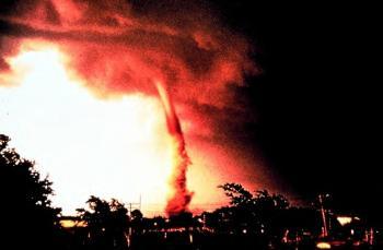 los misterios de los tornados de fuego!!! Tornado2j